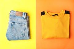 Jeans en sweaters stock fotografie
