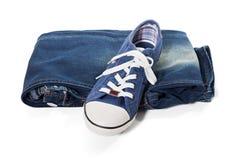 Jeans et espadrilles bleues Photographie stock libre de droits