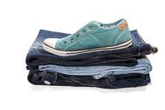 Jeans et espadrilles vertes Photographie stock