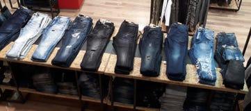 Jeans i lagret Arkivbild