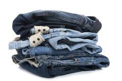 Jeans op witte dichte omhooggaand Royalty-vrije Stock Afbeeldingen