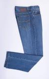 jeans per gli uomini o le blue jeans su un fondo Immagini Stock