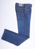 jeans per gli uomini o le blue jeans su un fondo Fotografia Stock