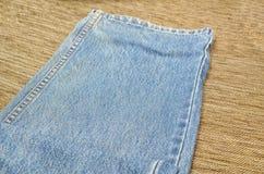 Jeans texturerar och fodrar sömnad Arkivfoton