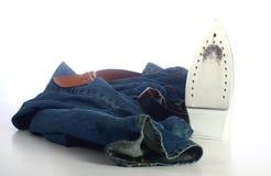 Jeans und ein Eisen lizenzfreies stockfoto