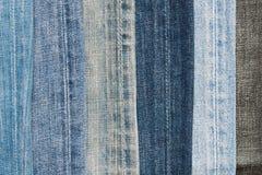 jeansmaterial parts textur Naturlig grov bomullstvillbakgrund close upp royaltyfri fotografi