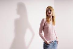 Jeansskirt e camicia dentellare Immagini Stock Libere da Diritti