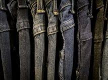 Jeansskjortatorkduken shoppar in Arkivfoto