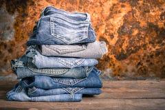 Jeansstapelweinlese Lizenzfreie Stockbilder