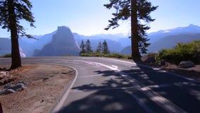 Jechać chył z Przyrodnią kopułą Yosemite zbiory wideo