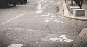 Jechać na rowerze ścieżkę w centrum Paryż, Francja zdjęcie stock
