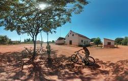 jechać na rowerze target1669_0_ cyklisty głębii pola ostrości lasu ręk halną perspektywy płyciznę Zdjęcie Stock
