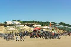 Jechać na rowerze wynajem przy wejściem Olimpijski park od staci kolejowej Obraz Royalty Free