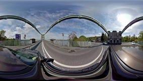 Jechać nad Menai mostem w Północnym Walia w kierunku Anglesey, Zjednoczone Królestwo - zbiory