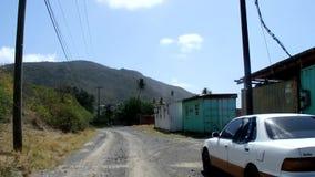 Jechać samochód wzdłuż południowej strony Bequia zbiory wideo