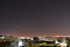 Jeddah alla notte la caduta delle stelle Immagine Stock