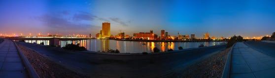 Jeddah im Stadtzentrum gelegen an der Dämmerung lizenzfreies stockbild