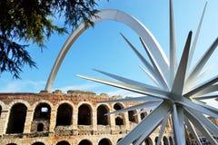 Jedem Jahr zur Weihnachtszeit, in Verona-Stadt wird ein Komet zusammengebaut Lizenzfreies Stockbild