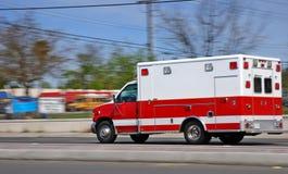 jeden ambulans zdjęcie stock
