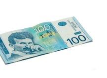 Jeden banknot warty 100 Serbskich dinarów z portretem naukowiec Nikola Tesla odizolowywająca na białym tle nowator i zdjęcie stock