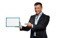 Jeden biznesowego mężczyzna mienie pokazywać whiteboard Zdjęcie Stock