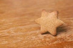 Jeden gwiazda Piernikowy ciastko brązowy linii abstrakcyjne tła zdjęcie Zdjęcie Royalty Free