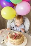 Jeden roczniak chłopiec świętuje jego pierwszy urodziny Zdjęcie Stock