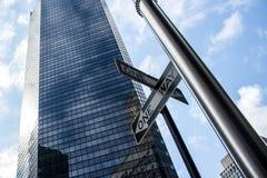 Jeden sposobu Miasto Nowy Jork usa szyldowa linia horyzontu Duży Apple 2 Obraz Stock