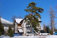 Jeden starzy ryglowi hotele w Stary Smokovec zdjęcia stock