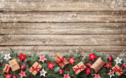 Jedlinowe gałąź z nastanie kalendarzem i prezentów pudełkami grają główna rolę Fotografia Stock