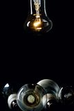 jedna lampa jarzeniowa żarówki Obrazy Royalty Free