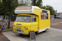 Jedzenie ciężarówka w ulicie Zdjęcie Stock