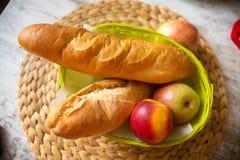 Jedzenie dla śniadania na stole zdjęcia stock
