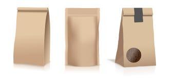 Jedzenie kieszonki papierowe torby odizolowywać na białym tle również zwrócić corel ilustracji wektora Frontowy widok obrazy stock
