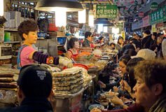 Jedzenie kram w Gwangjang jedzenia rynku w Seul Obraz Royalty Free