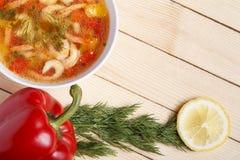 Jedzenie rama Naczynia śródziemnomorska kuchnia od warzyw i garneli obrazy royalty free