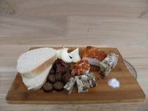 Jedzenie Tradycyjny jedzenie, tradycyjny chłopski przecinak słuzyć zimno Obrazy Stock