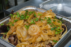 Jedzenie w aluminiowym jedzenia pudełku Zdjęcie Stock