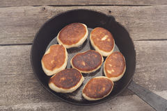 Jedzenie w smaży niecce Zdjęcie Royalty Free