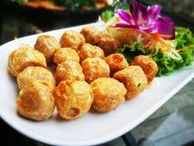 Jedzenie w Tajlandia rolki skorupy krabie zdjęcie stock