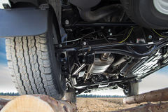 Jeep auf der Landstraße Lizenzfreie Stockbilder