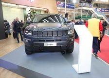Jeep bij het Car Show van Belgrado Stock Afbeeldingen