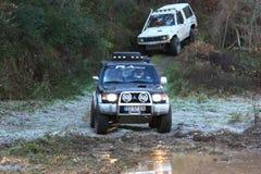 Jeep che partecipa sulla corsa di avventura 4X4 Immagine Stock