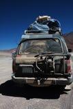 Jeep complètement de la poussière Photo libre de droits