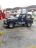 Jeep dans la ville image stock