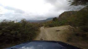 Jeep in de bergen gaan-pro stock footage