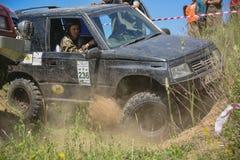 Jeep in de modder Royalty-vrije Stock Fotografie