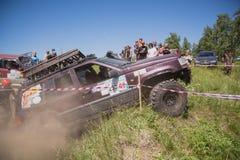 Jeep in de modder Stock Fotografie