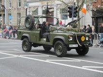 Jeep de tragante abierto del ejército Imagen de archivo libre de regalías