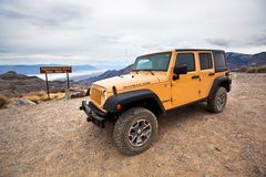 Jeep in Death Valley Immagine Stock Libera da Diritti